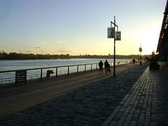 Bordeaux (marie_mi) Tags: gironde bordeaux pont vin quai tramway garonne