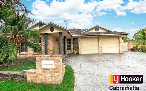 1 Clipper Cl, Chipping Norton NSW 2170