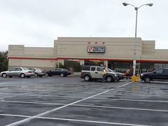 Tractor Supply Waynesboro, PA (COOLCAT433) Tags: tractor supply waynesboro pa matins food giant
