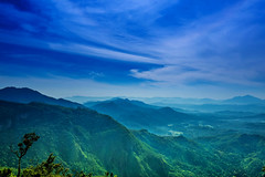 """The hills are alive"" (kumherath) Tags: kumariherathphotography canon5dmark3 crazytuesdaytheme wide angle mountains blue sky clouds ef1635mmf4lisusm"