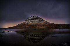 Atardecer nublado (Iceland) (ric.gayan) Tags: reflex sonyfe1635 sonya7 sunset clouds mountain kirkjufell
