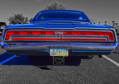 Thunder Road (oybay©) Tags: add tags shiny oldcar old reflection mirror modified coolcar heavymetal white twotone chrome lotsofchrome carshow glendale glendalearizona arizona mixteca classic classiccar sunset sunlight color colors colorful vehicle lines ford fordthunderbird thunderbird tbird bird fordmotorcompany rusty crusty car dvap desertvalleyautoparts desert valley auto parts blue bleu bluebird koolklassicscarshow suncity mcdonalds yellow goodguys