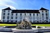 Schloss Zeil (otto.detlef) Tags: himmel sky gebäude schloss arichitektur brunnen deutschland germany bayern nokia nokiad5300 d5300 castle lock skulptur