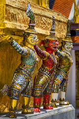 Thailand - Bangkok - Grand Palace - Golden Chedi statue 06_DSC5960 (Darrell Godliman) Tags: thailandbangkokgrandpalacegoldenchedistatue06dsc5960 statues statue colour color colourful colorful ornate red gold golden