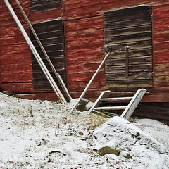 Bit of barn and snow (Stefano Rugolo) Tags: stefanorugolo pentax smcpentaxda1855mmf3556alwr k5 sweden barn snow squarefomat hälsingland red texture countryside old