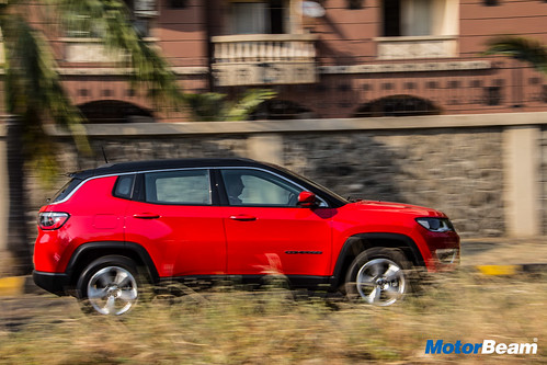 Jeep-Compass-Petrol-12