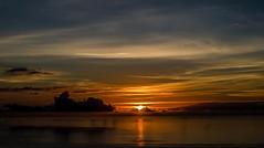 Primeras luces... (JACRIS08) Tags: amanecer sunrise nubes sol