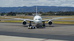 Air New Zealand | B777-200 | ZK-OKE (Anthony Kernich Photo) Tags: zkoke airnewzealand anz boeing dreamliner airplane aircraft airplanepicture airplanephotograph airplanephoto adelaide adelaideairport zoom longlens plane aviation jet olympusem10 olympus olympusomd commercialaviation planespotting planespot aeroplane flight flying airline airliner kadl kpad adl airport raw ypad livery star widebody boeing777 b777 b777200 777