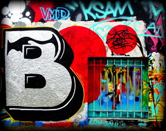 B comme Billevesées * (Kay Harpa) Tags: streetart murs paintedwalls artinthecity graffitis ivryparis parcdescormailles france photokay thebiggestgroup
