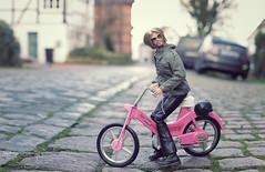 Easy Rider 😎 (lichtspuren) Tags: integritytoys fashionroyalty colorinfusion callumwindsor funpic barbiebike iwanttoridemybike easyrider cool homme canon eos 6d ef 50mm f12 l usm lichtspuren