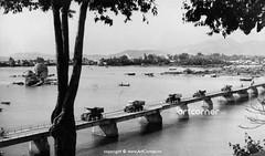 Bóng Village Bridge - Cầu Xóm Bóng - Nha Trang - 1957 (Nguyen Ba Khiem) Tags: 1950s 1957 hìnhảnhxưa việtnam việtnamxưa nhatrang nhatrangxưa nguyễnbámậu phongcảnh biển nước sôngcái cầu xómbóng thápbà ponagar thápchăm chămpa thuyền sông đầmcùhuân đầm đườngphố