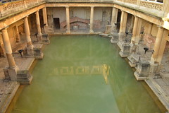 Down on the Great Bath (CoasterMadMatt) Tags: theromanbaths2017 romanbaths2017 theromanbaths romanbaths roman baths bath greatbath springwater geothermalwater spring geothermal water waters steam steaming georgianarchitecture georgian romanarchitecture romanbritain romanhistory theromans romans englishhistory englishheritage building structure architecture somerset england southwestengland britain greatbritain gb unitedkingdom uk autumn2017 november2017 autumn november 2017 coastermadmattphotography coastermadmatt photos photographs photography nikond3200