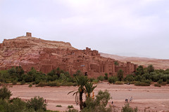 Aït Benhaddou (T is for traveler) Tags: travel traveler traveling tisfortraveler photography digitalnomad exploration backpacker summer trip africa morocco desert tour ouarzazate history city epic palm trees green orange view panoramic movie river castle aït benhaddou village