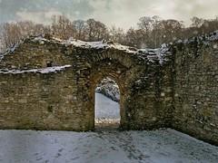 Snow in London in 2009 (Jocelyn777) Tags: snow abbey stones historicsites monuments lesnesabbey abbeywood london