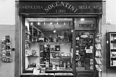 L'Antica Libreria (carlo tardani) Tags: cortona arezzo italia librerianocentini vianazionale32 library book bw bianconero blackandwhitephotos nikond4s elitegalleryaoi bestcapturesaoi aoi