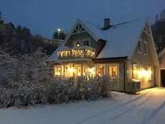 Vårt julehus (fotomormor) Tags: hønefoss vinter snø lys jul advent pregamewinner