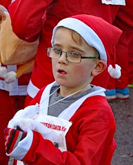 Great Skipton Santa Fun Run 2017 (grab a pic) Tags: canon eos 7dmarkii england uk northyorkshire skipton 2017 outside rotary charity santa funrun airevillepark