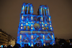 Notre Dame de Paris, Spectacle son et lumières 9/11/2017 (jlfaurie) Tags: notredamedeparis spectaclesonetlumières9112017 damedecoeur mechas mpmdf jlfr parisbynight denoche sonido luces catedral notedame nuestrasenoradeparis cathedral france francia