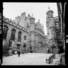 Bronica SQ-A-039-007 (michal kusz) Tags: bronica sqa zenzanon 40mm ilford delta 400 pro ddx epson v600 new college the univeristy edinburgh squere sq scotland uk unitedkingdom 120 6x6 bw blackandwhite monochrome medium monochromatic old tower stone