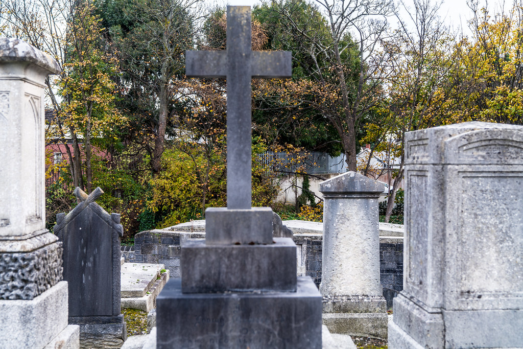 MOUNT JEROME CEMETERY IS AN INTERESTING PLACE TO VISIT [IT CLOSES AT 4PM]-134274