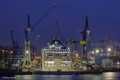 Dock Elbe 17 - 04121703 (Klaus Kehrls) Tags: hamburg hamburgerhafen blohmvoss werft schiffe kräne elbe nacht nachtaufnahme industrie