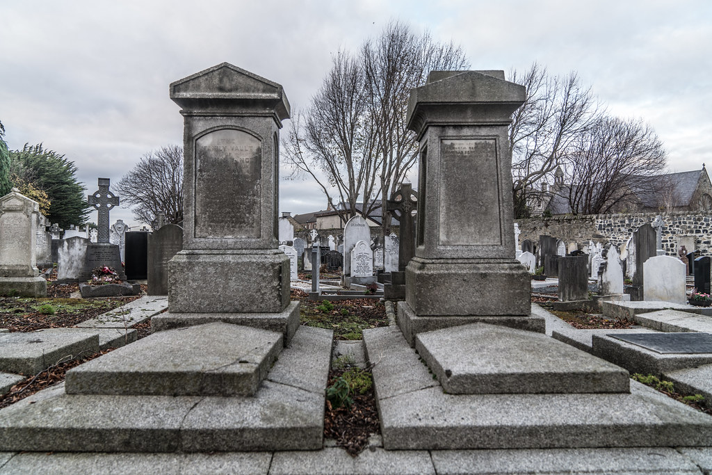 MOUNT JEROME CEMETERY IS AN INTERESTING PLACE TO VISIT [IT CLOSES AT 4PM]-134327