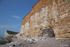 Cliffs near Hope Gap and Cuckmere Haven, East Sussex. (Scotland by NJC.) Tags: hopegap eastsussex england uk southdownsnationalpark chalk flint erosion sedimentary leaching cliff جُرْف penhasco 悬崖 litica útes klippe klif precipicio kalliojyrkänne falaise γκρεμόσ scogliera 崖 낭떠러지 urwisko stâncă скала klippa berg หน้าผา kayalık скеля vách đá coastline 海岸线 litoral côte küste linea costiera 海岸線 해안선 seashore coast shore seaboard seaside beach strand