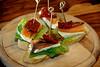 Sardellen Lachs Spieße (PH0T0NAT0R) Tags: anchovies salmon skewers camenbert baguette salad driedtomatoes