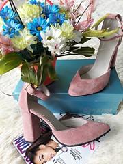Замшевые женские туфли босоножки с закрытой пяткой на толстом устойчивом каблуке с ремешком пудровые (azzafazzara) Tags: туфли обувь цвет