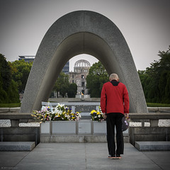 Respect (andyrousephotography) Tags: japan hiroshima hiroshimapeacememorialpark memorialcenotaph japanese people respect patience politeness courtesy joy smile remembrance reflection peacefulmoment andyrouse canon eos 5d3 5dmkiii ef70300mmf456l