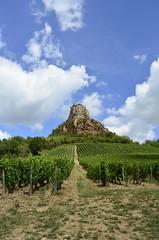 La roche de Solutré (vita barbara) Tags: solutré roche vignobles holidays cielo campagna