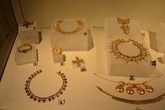 Rome, Italy - Villa Giulia (Etruscan Museum) - Jewelry (3) (jrozwado) Tags: europe italy italia rome roma villagiulia museum archaeology etruscan jewelry gold