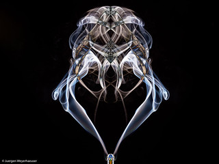 Rauch II - In Photoshop gespiegelt und Differenz gebildet