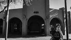scottsdale 00258 (m.r. nelson) Tags: scottsdale az arizona 20017southwest usa mrnelson marknelson markinazstreetphotography america urbanmarkinaz blackwhite bw monochrome blackandwhite bwnewtopographic urbanlandscape artphotography portraits people