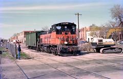 Milwaukee Road Lakewood Branch 476 4-17-86 101 (jsmatlak) Tags: chicago milwaukee road railroad freight train engine industrial ce lakewood