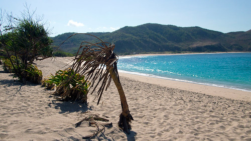 beaches-mawun-1920x1080