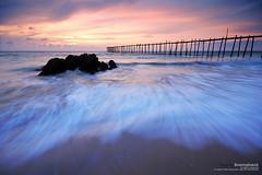 l2.7 (pattana92392) Tags: seawave sea longexposure sunset coast bridge