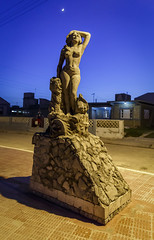 CUBA2017_93 (Dylon87) Tags: daytrip friends family memories vacation fun great gibara fishing town getaway bed breakfast travel holguin cuba statue night nighttime street walk photo pic photographer photography teamcanon canon shotoncanon canoncanada