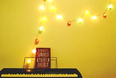 If you can dream it, you can do it. (Anselmo Portes) Tags: buenosaires argentina keyboard light bulbs simple minimal minimalism minimalista minimalismo minimalist wall