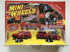 Mini Wheels - Firefighter Set - Miniature Diecast Metal Scale Model Emergency Services Vehicle (firehouse.ie) Tags: feuerwehrauto feuerwehr fd department brigade trucks laddertruck suv vehicule appliance apparatus firefighter miniwheels vehicle coche car miniature miniatures model models metal diecast toys toy rescue emergency fire