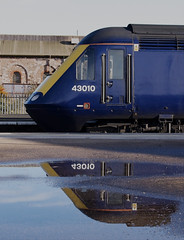 Unpre-Ten-tious (Stapleton Road) Tags: station reflection platform newtonabbot hst class43 43010 puddle blue