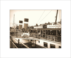 About to Cast-off (Mikec77) Tags: pswaverley paddlesteamer