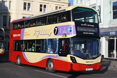 20171130 - 6341 - Brighton & Hove Buses - Wright Streetdeck - No 828 - Route 7 - Castle Square - Brighton (Paul A Weston) Tags: brightonhove brighton wrightstreetdeck route7 828 castlesquare