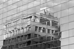 IMG_0020M Twist city (陳炯垣) Tags: street building reflection