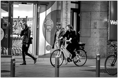 People and bicycles-5 (vzotov.doc) Tags: monochrome pictures girls siti street fujifilm xpro1 xf35mmf1 4 europe vladimir zotov