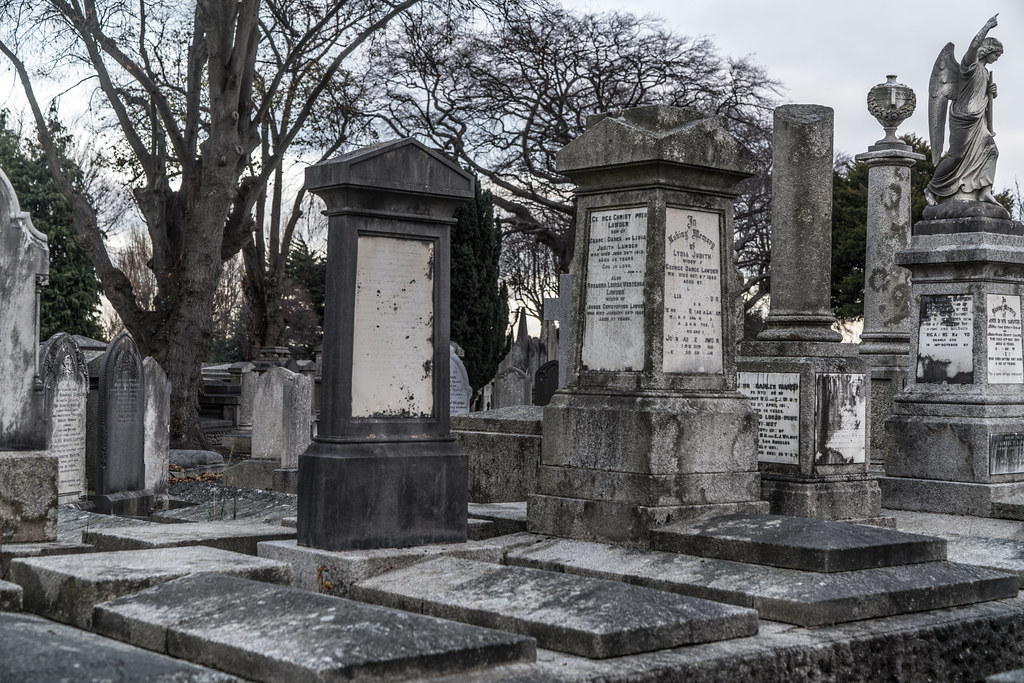 MOUNT JEROME CEMETERY IS AN INTERESTING PLACE TO VISIT [IT CLOSES AT 4PM]-134354