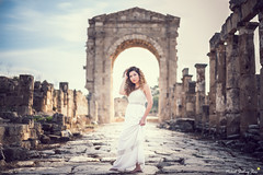Abir (Mickael Shooting Stars) Tags: rouge modele mode liban beyrouth ruines guerre histoire robe fashion d750 libanaise