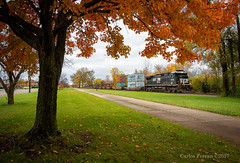 NS 8804 - Fairborn, OH (Wheelnrail) Tags: ns norfolk southern locomotive ge c409 locomotives 26z fall autumn color peak ohio fairborn trees dayton district