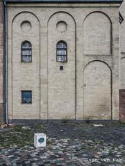 Ceci n'est pas une machine à laver (Ivan van Nek) Tags: sanktmartini emmerichamrhein nordrheinwestfalen noordrijnwestfalen deutschland allemagne germany église church washingmachine wasmachine machineàlaver nikon d7200 nikond7200 rheinpromenade