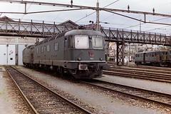SBB 11663 EGLISAU (bobbyblack51) Tags: sbb class re66 slm bbcsaas bobobo electric locomotive 11663 eglislau basel depot 1994